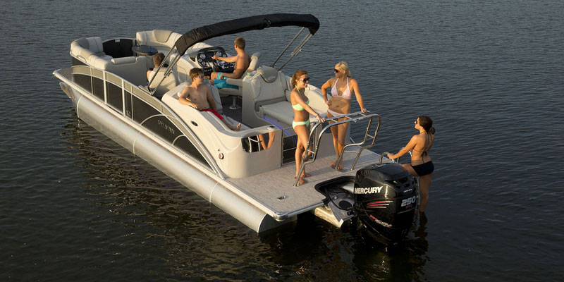 Pontoon Boat Rentals: Party on the lake